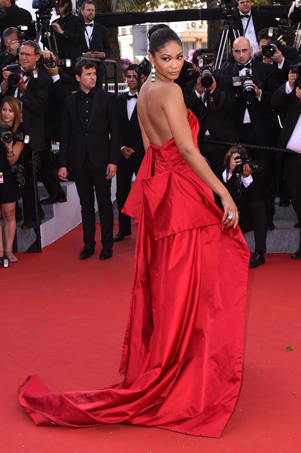 http://enfilme.com/img/content/chanel_iman_cannes2015_Enfilme_6154w.jpg
