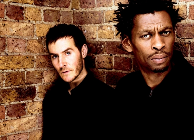 ?Unfinished: The Making of Massive Attack? es un material realizado en 2006 con apoyo de testimonios y grabaciones de conciertos. - ENFILME.COM