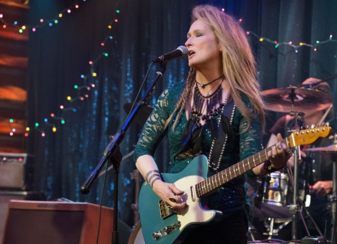 Meryl Streep en su faceta de cantante en 'Ricki And The Flash'. - ENFILME.COM